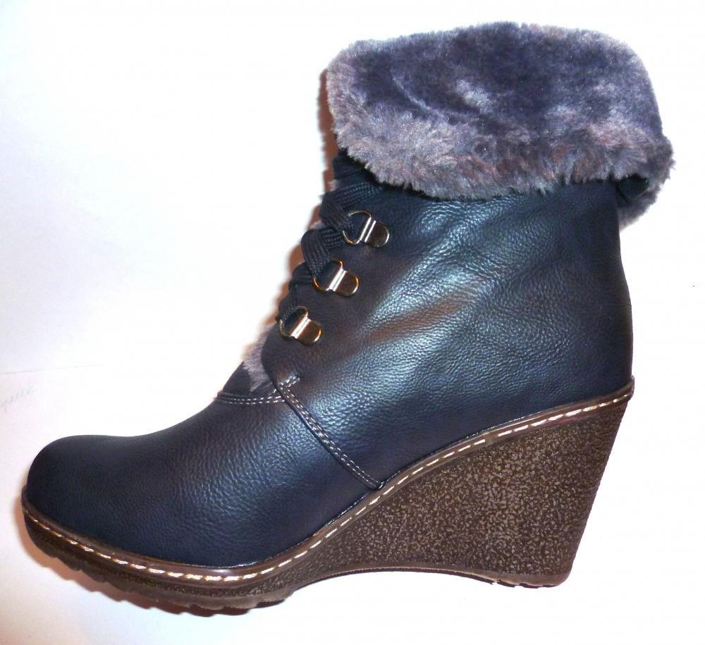 Зимняя обувь на танкетке фото