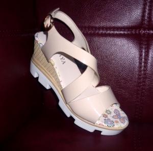 Женские босоножки купить недорого на сайте обуви